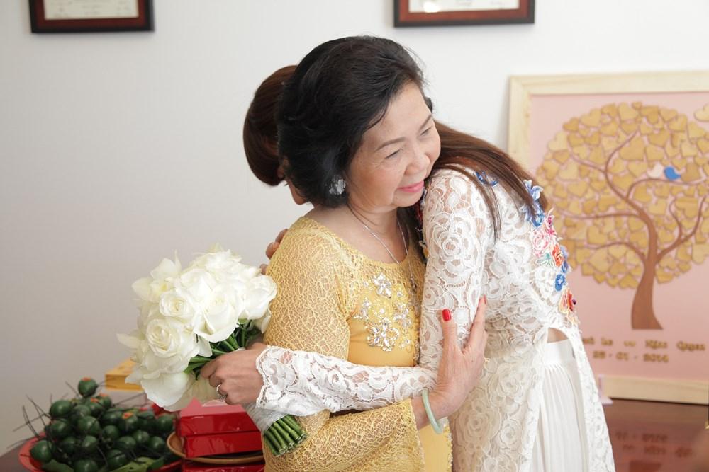 mẹ và con gái